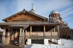 Sviyazhsk Ioanno-Predtechensky妇女` s修道院 领港教会和我们的所有的喜悦的夫人大教堂哀痛 免版税库存图片