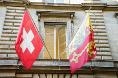 Svizzero e bandiere di Ginevra Fotografie Stock Libere da Diritti