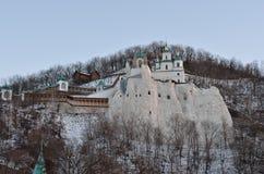 Svjatogorsk St Nicholas Church op de krijtheuvel Stock Foto's