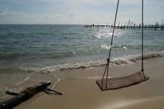 Svuoti l'oscillazione sulla spiaggia Fotografia Stock Libera da Diritti