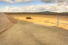 Svuoti la diga superiore della centrale elettrica di energia idroelettrica di pompaggio in repubblica Ceca Fotografie Stock