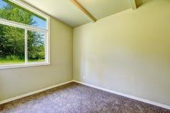 Svuoti la stanza con la finestra Fotografie Stock Libere da Diritti