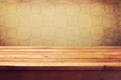Tavola di legno vuota della piattaforma Fotografia Stock