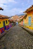 Svuoti le vie colourful di Guatapé, Antioquia, Colombia Fotografie Stock