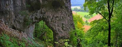 Swabian Jura i sommar Arkivbild
