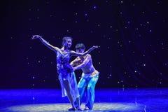 Swallowling-kines folkdans Royaltyfri Bild
