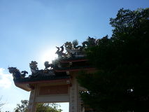 Swan and Dragon statue on the roof the main gate Chinese temple Stock Photos