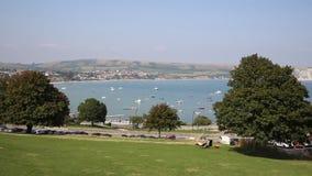 Swanage Dorset England UK med havs- och kustPANNAsikt arkivfilmer