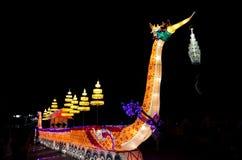 Swanfartyg, Beautifully av den Loy Krathong festivalen Royaltyfri Foto