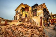 Swayambhunath świątynia uszkadzająca po poważnego trzęsienia ziemi w Kathm Obrazy Stock