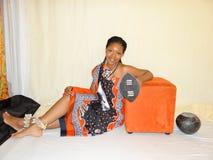 Swazifrau in der traditionellen Kleidung Stockfotos