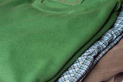 Sweater, overhemd en broek Stock Fotografie