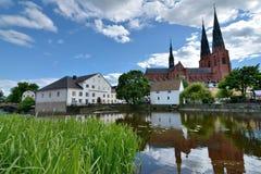 sweden Uppsala katedralny i Rzeczny Fyris zdjęcia stock