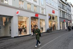 SWEDISH REATIL STPRE H&M IN COPENHAGEN DENMARK. Copenhagen/Denmark 11..October 2018.. Swedish etail store H&M Hennese & mauritz in danish capitak Copenhagen stock photo