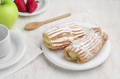 Sweet cake and fruits Royalty Free Stock Photography