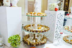 Sweet candies and cupcakes Royalty Free Stock Photography