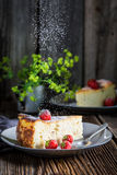 Sweet cheesecake with fresh strawberries Royalty Free Stock Photography