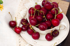 Sweet cherry in bowl Royalty Free Stock Photos