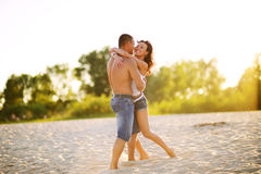 Sweet couple on the beach Royalty Free Stock Images