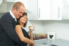 Sweet couple in the kitchen Royalty Free Stock Photography