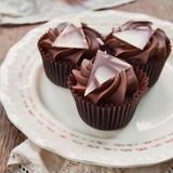 Sweet dark chocolate cupcakes Royalty Free Stock Photography