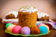 Sweet Easter cake with colorful eggs Stock Photography