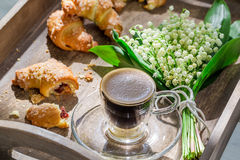 Sweet hot coffee and croissant Royalty Free Stock Photos