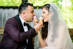 Sweet icecream for a wedding couple