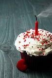 Sweet little birthday cake Royalty Free Stock Images
