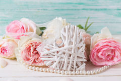 Sweet pink roses flowers and heart Royalty Free Stock Photos