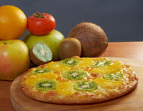 Sweet pizza with fruit Royalty Free Stock Photos