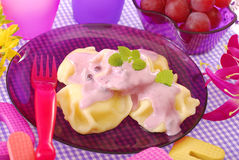Sweet ravioli with blueberry yogurt Stock Photography