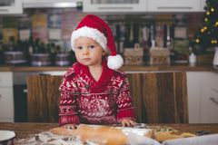 Free Sweet Toddler Child And His Older Brother, Boys, Helping Mommy P Stock Images - 133809204