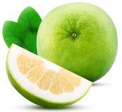 Sweetie cytrusa plasterek z liściem i owoc obraz stock