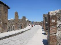 Sweltering άνοδοι θερμότητας πέρα από τις καταστροφές της Πομπηίας στην Ιταλία στοκ εικόνες