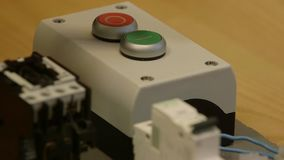 Swich электричества и дальше, взрыватели и buton силы сток-видео
