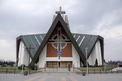 Swidnica/Πολωνία - 31 Μαρτίου 2018: Σύγχρονη εκκλησία Marii Panny Krolowej στη κατοικήσιμη περιοχή στα περίχωρα της πόλης στοκ εικόνα με δικαίωμα ελεύθερης χρήσης