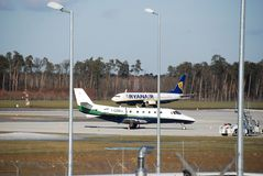 从鲁布林的瑞安航空公司飞行向都伯林 免版税图库摄影