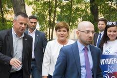 SWIDNIK POLEN - AUGUSTI 21, 2015: Beata Szydlo under parliamen Arkivfoton