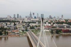 桥梁和城市视图 免版税库存图片