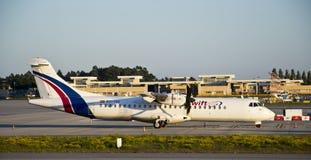 Swiftair, ATR 72货物 免版税库存图片