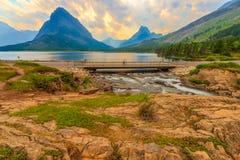 Swiftcurrent fällt Glacier Nationalpark stockfotos