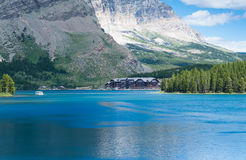 Swiftcurrent jezioro w lodowa parku narodowym Zdjęcie Royalty Free