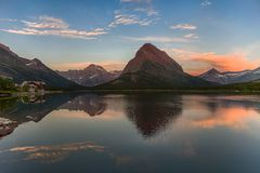 Swiftcurrent jezioro w Montana Zdjęcia Stock
