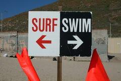 swim прибоя знака Стоковое Фото