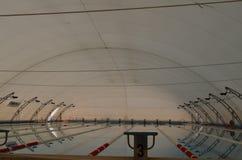 Swimimpool in trekstructuur Royalty-vrije Stock Afbeelding