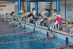 Swimmer is participating in the competition Royalty Free Stock Photos