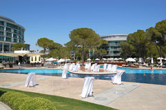 Swimming pool area at luxury Turkish hotel Stock Photos