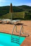 Swimming-pool i Tuscany Arkivfoto