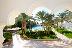 The swimming pool at luxury hotel Royalty Free Stock Images